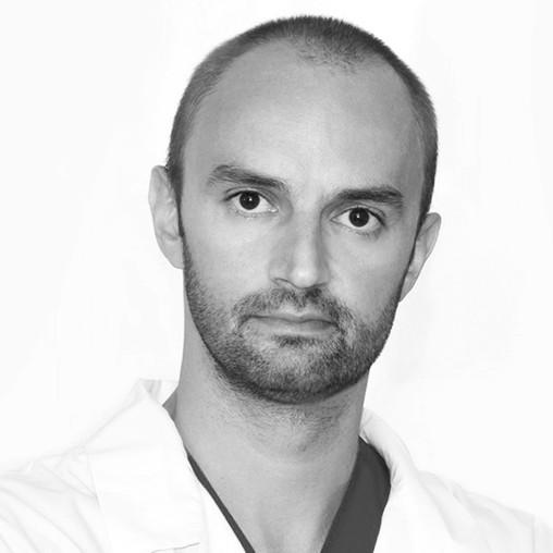 https://www.centromedicosantangelo.it/wp-content/uploads/2015/11/dermatologo-bn.jpg